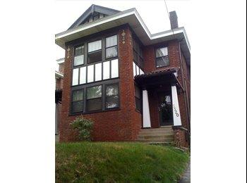EasyRoommate US - Great furnished  3 bedroom duplex Nov 1 to April 1 - Pittsburgh Eastside, Pittsburgh - $1,800 /mo