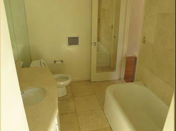 1396 Veteran Male Private Room Close to Ucla, Kaplan,...
