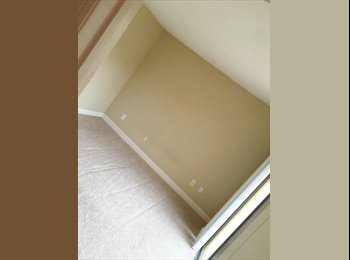 EasyRoommate US - Room for Rent ( female only ) Kendall  - Kendall, Miami - $600 /mo