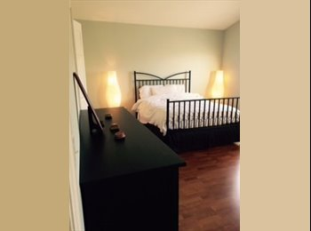 EasyRoommate US - Large Private Bedroom and Bath in Newly Remodeled Townhome - West Tampa, Tampa - $700 /mo