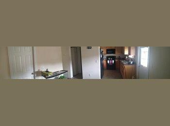 EasyRoommate US - Large Townhome  - Savannah, Savannah - $550 /mo