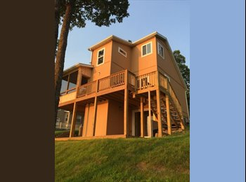 EasyRoommate US - Luxury Lake Front Home - Springfield, Springfield - $1,200 /mo
