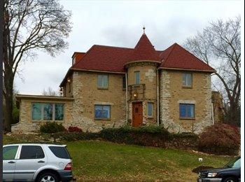 EasyRoommate US - Knolls Castle, Peoria - $500 /mo