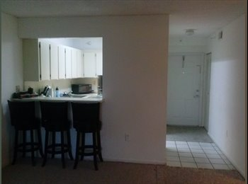 EasyRoommate US - Master bedroom rental here... - Doral, Miami - $600 /mo