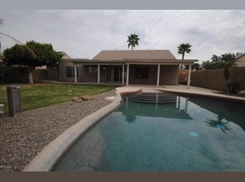 EasyRoommate US - Roommates wanted - 4 bedroom, 3bath house w/Pool - Glendale, Glendale - $550 /mo
