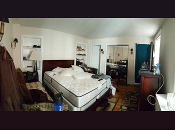 Bedroom/Bathroom for rent in Rittenhouse Square
