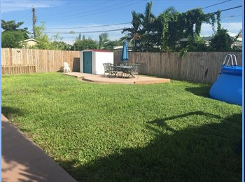 EasyRoommate US - Room for rent / Looking for roommate  - South Miami, Miami - $800 /mo