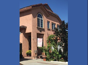 EasyRoommate US - Huge house with rooms for rent. , Lynwood - $550 /mo