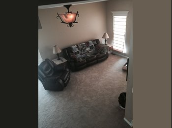 Phoenixville townhome bed&bathroom