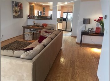 EasyRoommate US - Close to beach & Montana St in Santa Monica.  Garage ! & Beautiful home. - Santa Monica, Los Angeles - $2,000 /mo