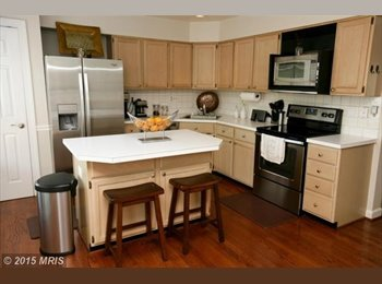 EasyRoommate US - Room for Rent in Nice Townhome (Frederick) - Frederick, Other-Maryland - $900 /mo