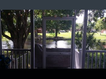 EasyRoommate US - Room Available for student or professional - Davie, Ft Lauderdale Area - $650 /mo