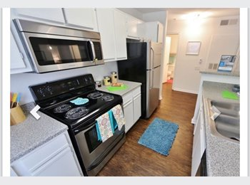 EasyRoommate US - Subleasing 3/3 college apartment  - Tallahassee, Tallahassee - $393 /mo