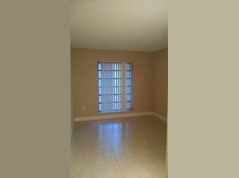 Single bedroom within driving distance to FIU and UM!