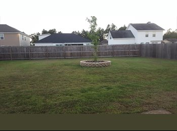 Large Guest Room For Lease in Pooler,Ga