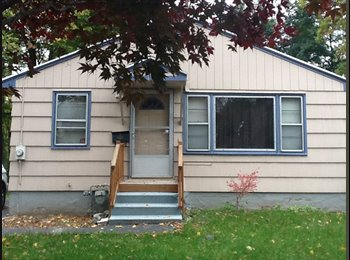 EasyRoommate US - Cozy Ranch home with room ready to move in furnish/unfurnish. - North Valley, Syracuse - $550 /mo