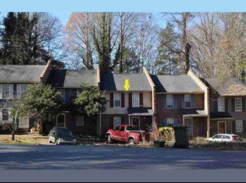 EasyRoommate US - SUBLEASER NEEDED CLEMSON SC - Greenville, Greenville - $266 /mo