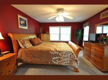 EasyRoommate US - South Asheville king sized room available - Flexible move-in date - Asheville, Other-North Carolina - $600 /mo