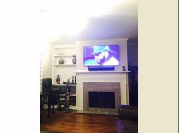 EasyRoommate US - Room for Rent, Great Buckhead Location - Buckhead, Atlanta - $735 /mo