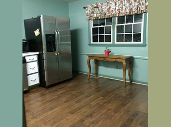 EasyRoommate US - Lake view . Freahly painted new floor and carpet - Monroe, South Jersey - $650 /mo