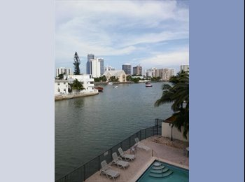 EasyRoommate US - Great private room/bathroom, Condo. Views/balcony. Beach. No deposit  - Miami Beach, Miami - $700 /mo