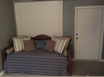 EasyRoommate US - One bedroom apt to share  - Hollywood, Ft Lauderdale Area - $600 /mo