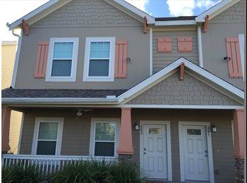 EasyRoommate US - Room available in 2 bedroom apt! - Corpus Christi, Corpus Christi - $814 /mo
