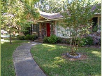 EasyRoommate US - Student Living in West Ashley! - Charleston, Charleston Area - $375 /mo