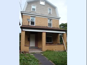EasyRoommate US - Furnished Room near CMU, UPitt, Grocery, Bus-available Dec 19th - East Allegheny, Pittsburgh - $425 /mo