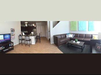 EasyRoommate US - UClub 3 story Town home 4 bedroom 4.5 bath  - Lubbock, Lubbock - $689 /mo