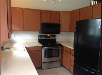 Room in 3bed / 2bath townhouse