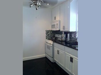 ROOM FOR RENT IN FORT LEE 900.00