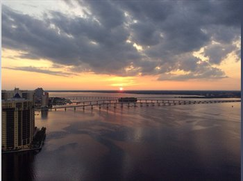 EasyRoommate US - High rise penthouse room for rent. - Fort Myers, Other-Florida - $850 /mo