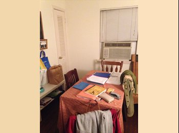 Bedroom available in 2br/1ba apt just inside 610