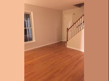 EasyRoommate US - beautiful 3 bedroom 2 bath house for share in highridge area - North Stamford, Stamford Area - $1,375 /mo