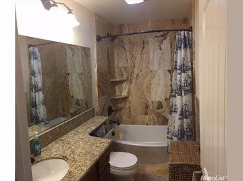 EasyRoommate US - great master suite close to downtown sacramento  - West Sacramento, Sacramento Area - $700 /mo