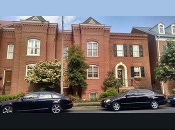 $1225 / 170ft2 - Room Available in Old Town Townhouse (Old...