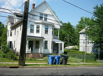 3-BR Apartment near the Trinity College, Hartford, CT