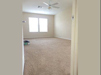 EasyRoommate US - SW Gigantic Master/Garage avail./2 closets/Priv. Bath(SW 215 and Fort Apache) - Southwest Ranch , Las Vegas - $700 /mo
