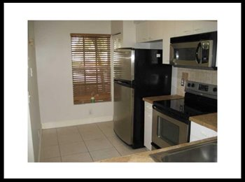 EasyRoommate US - Need roommate to share 2 bed 2 1/2 bath townhouse  - Margate, Ft Lauderdale Area - $800 /mo