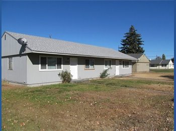 EasyRoommate US - ingle family home has 3 bedrooms and 2 bathrooms.  - Wenatchee, Other-Washington - $800 /mo
