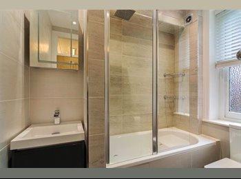 EasyRoommate US - three  bedroom flat - Doral, Miami - $900 /mo