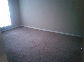 Room for rent 290/610($470)