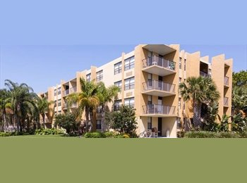 EasyRoommate US - A family rents a room - Familia renta una habitación - Hollywood, Ft Lauderdale Area - $700 /mo