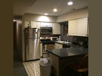 EasyRoommate US - Lakeview Sublet available 12/1/15 - 5/31/16 - Lakeview, Chicago - $800 /mo