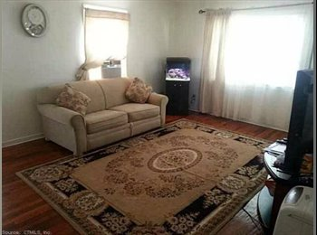 $750 _West Hartford_1-2 bedrooms available in 3 bedroom...