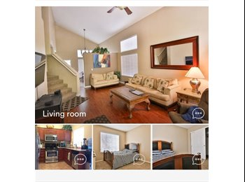Private room in Summerlin easy access to 215 and PKWY
