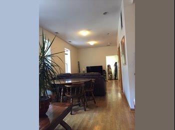 1 bedroom in 4 bed/3 bath house, Wicker Park, 3 blocks to...