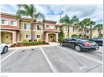 EasyRoommate US - Professional Housemate - private suite available - Fort Myers, Other-Florida - $800 /mo