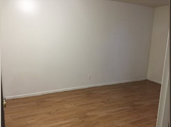 1 Room/1 bathroom available in TEMPE,walking distance to...
